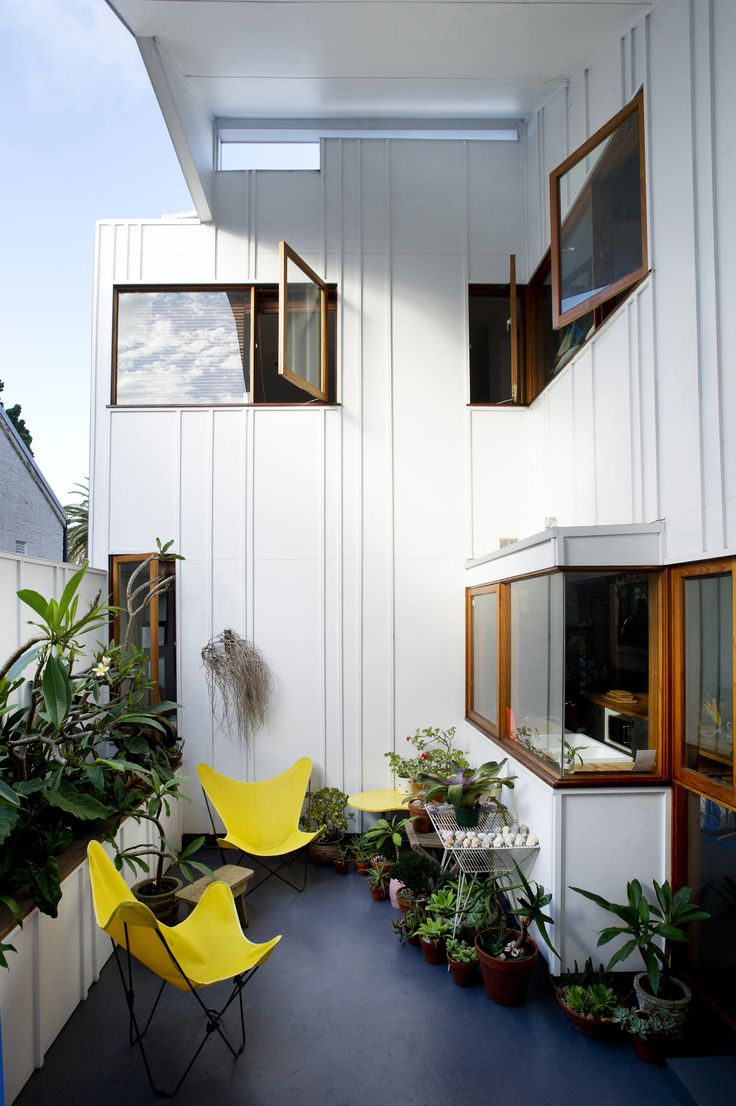 Loving the yellow chairs ... Marrickville House 1 & 2 by architect David Boyle http://digitaledition.lighthome.com.au/?iid=80630#folio=17