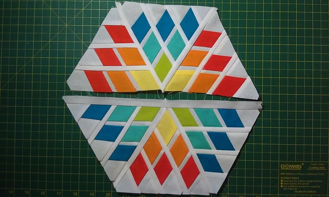 IMAG1416 by SelDear, via Flickr: Paper Pieces, Snowflakes Blocks, Quilts Blocks, Eternity Quilts