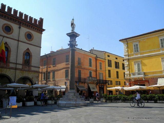 """Ravenne, Plaza del popolo - """"Ravenne, capitale de la Mosaïque"""" by @carnetdescapade"""
