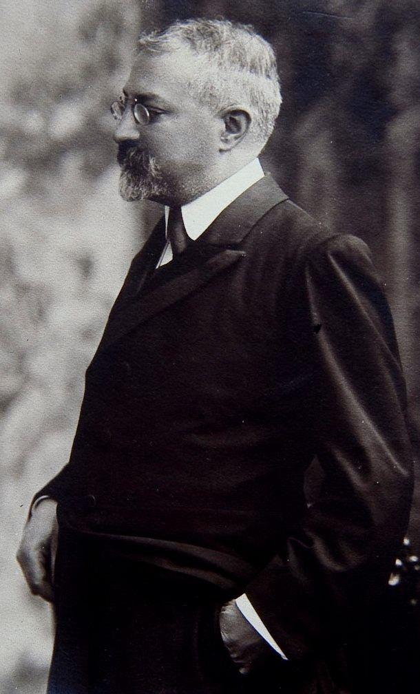 Josep Puig i Cadafalch.Arquitecte,politic,historiador de l'art. Mataró 1867-BRna1956