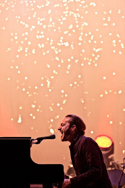 Editors op Rock Werchter 2012 by 3FM, via Flickr.