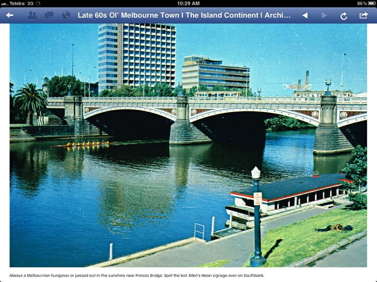 Princes Bridge over the Yarra River Melbourne. Cira 1960s.  iconic Allen's sign in background