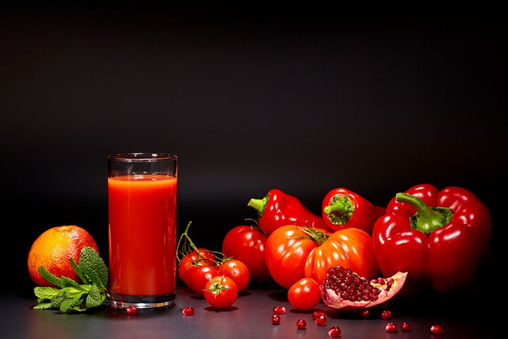 Images Red Juice Tomatoes Grain Pomegranate Highball glass Food Pepper Black background