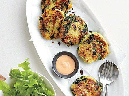 Spaghetti Squash Fritters with Sriracha Mayonnaise                            RecipePair a basic side salad with tasty Spaghetti Squash Fritters with Sriracha Mayonnaise for a simple, flavorful meatless meal.