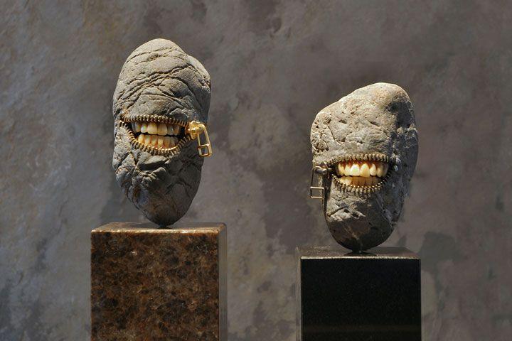 Un sculpteur japonais a eu l'excellente idée de travailler la roche de manière originale. Donnez-lui de simples pierres et il les transformera en objets en tout genre,stupéfiantsde réalisme ! DGS vous fait découvrir l'univers de cet artiste dont...