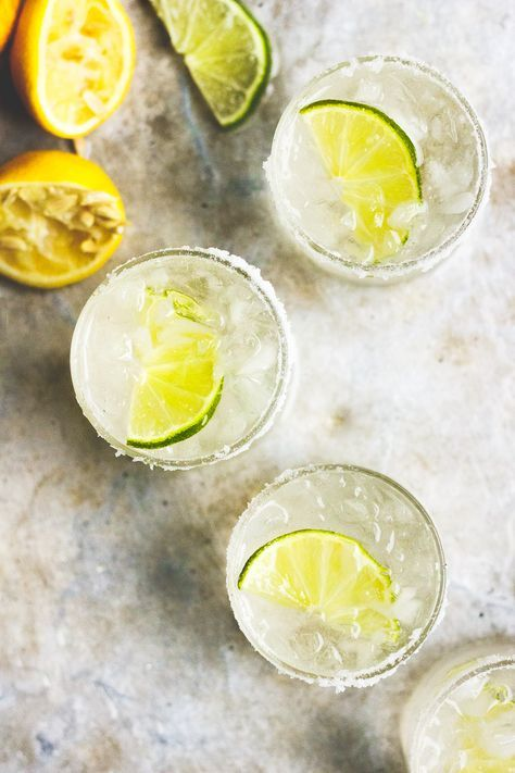 Naturally sweetened with stevia margarita. A margarita without sugar, low in calories and sparkling. A skinny sparkling ginger margarita.