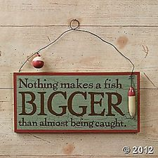 RUSTIC FISHING SIGN HUMOROUS DETAILED WOODEN NOVELTY DECORATION NEW  Returns: Accepted within 30 days