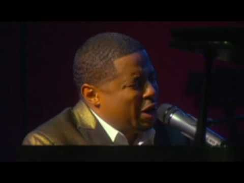 Smokie Norful - Dear God (Live)    One of my FAVORITE songs!! Amen and Amen!!