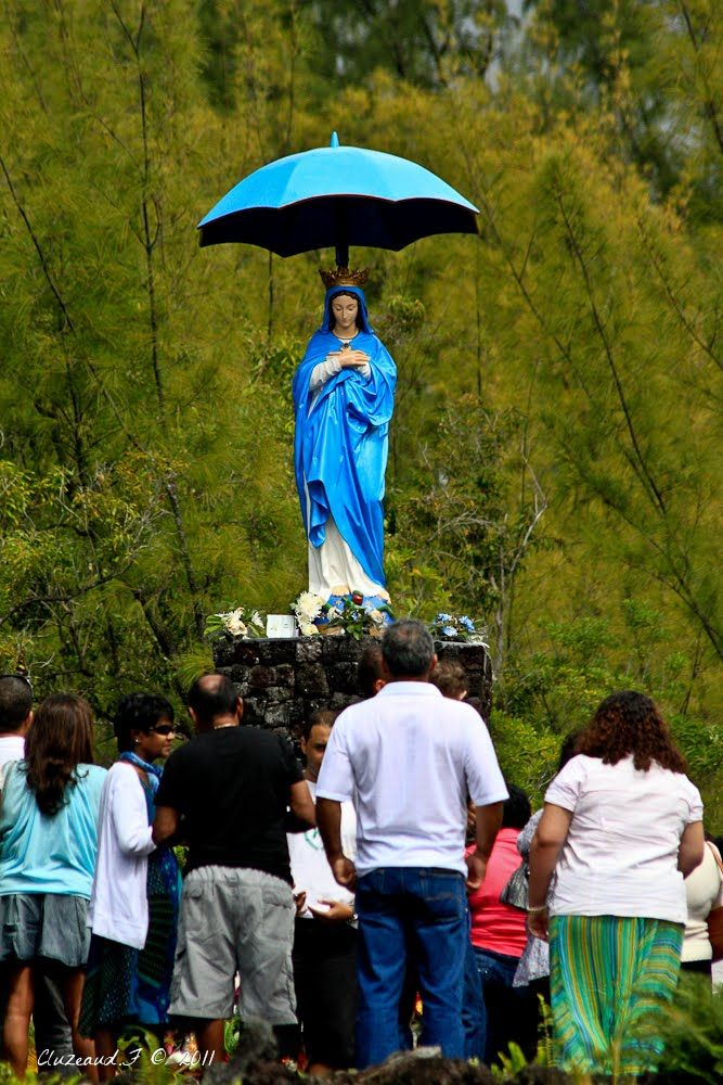 la vierge parasol