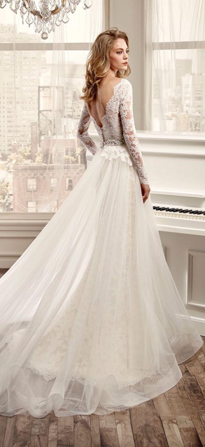 Prinzessinen Brautkleid mit Spitzen Elementen und tiefem Rückenausschnitt