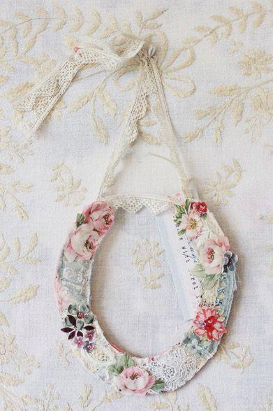 Wedding Horseshoe from www.thevintagedrawer.com vintage wedding