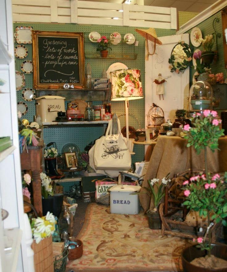 Best 25 Gift Shop Interiors Ideas On Pinterest: Best 25+ Antique Booth Design Ideas On Pinterest