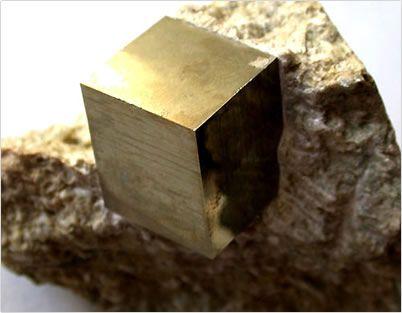 Son muchas las formas que adopta un cristal, bien de maneranatural o bien porque se tallan. Dependiendo de la piedra, tendremos una aplicación u otra, pero hay algunas claves que podemos tener en ...