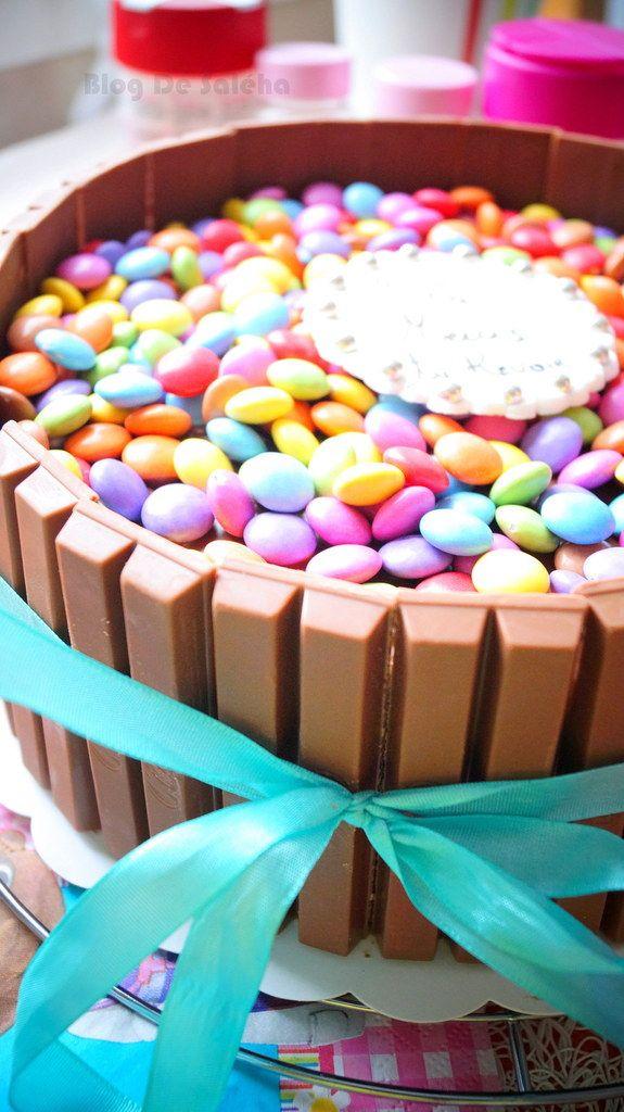 Gateau Au Chocolat Kit Kat Smarties Party Ideas Cake Desserts