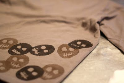 Fun activity: let kids make their own potato-print clothing!  Okay, I don't have time, but you might.