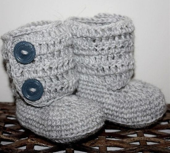 Katy, learn to crochet and make these for Parker....please!!! Baby Boots - Crochet Pattern