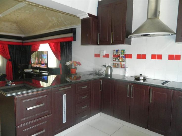 Explore this property 3 Bedroom House in Margate