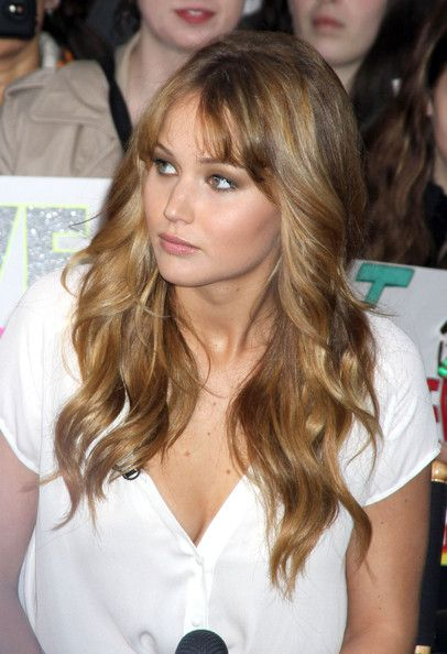 The Hunger games Star Jennifer Lawrence..I love her beautiful hair