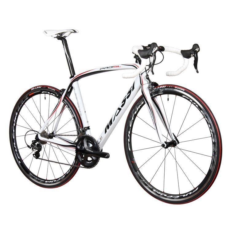 Massi Pro SL/Durace 11SP: diseñada para los amantes de la carretera, la bicicleta Massi Pro SL Incorpora toda la tecnología de Massi: TS, ICRE, Carbon Dropout y ODB Evo. Su grupo Dura-Ace le da elegancia y fiabilidad con unas ruedas Fulcrum Racing 3 de Base. Su peso son unos excelentes 6.5kg. + Info: http://www.bikingpoint.es/bicicletas/carretera/bicicleta-massi-pro-sl-durace-11sp.html #cycling #roadcycling #roadbike #roadbikes