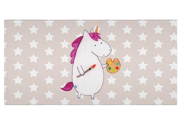 50 x 100 Handtuch Einhorn Künstler aus Kunstfaser  Natur - Das Original von Mr. & Mrs. Panda.  Dieses wunderschöne Handtuch von Mr. & Mrs. Panda hat die Größe 50 x 100 cm und ist perfekt für dein Badezimmer oder als Badehandtuch einsetzbar.    Über unser Motiv Einhorn Künstler  Das Künstler-Einhorn ist das perfekte Geschenk für kreative Menschen. Wer würde sich seine Welt nicht gerne nach seinem Geschmack malen? Das Einhorn macht es vor, wir müssen es nur nachmachen!     Verwendete…