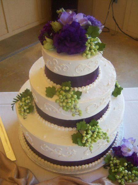 wedding cake designs purple and green 1000 images about purple and green wedding cakes on 22492