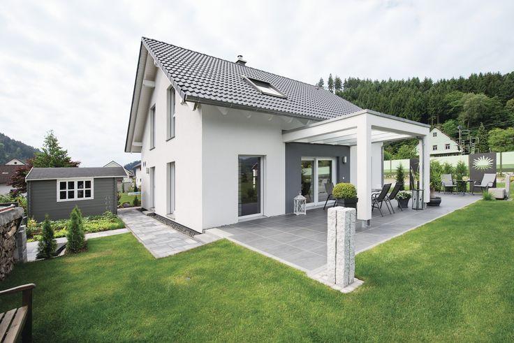 Wohlfühlhaus für Zwei #weberhaus #Fertighaus #holzbauweise #Pergola #terrasse