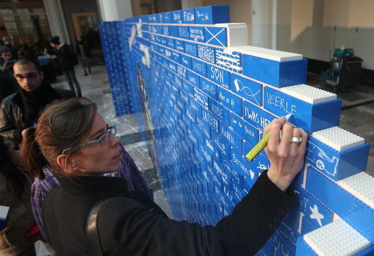 A Bruxelles il muro di Lego più lungo del mondo