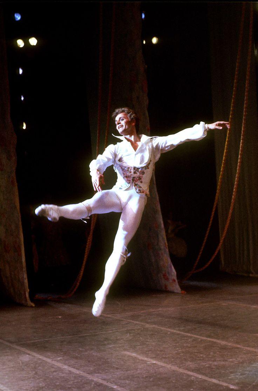 achievements of mikhail baryshnikov as a dancer Mikhail baryshnikov on imdb: awards, nominations, and wins  primetime  emmy, outstanding individual achievement - classical great performances:  dance.