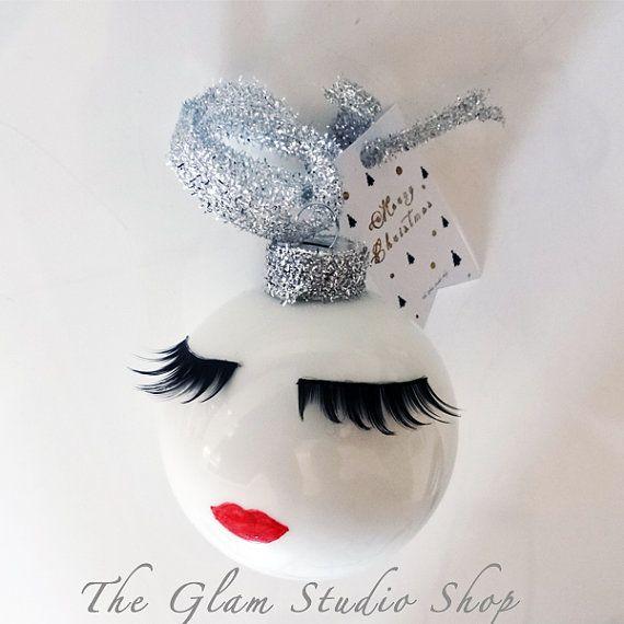 Pallina di Natale con ciglia e labbra Idea regalo di Natale per lei Decoro Natalizio Fashion Christmas Ornament