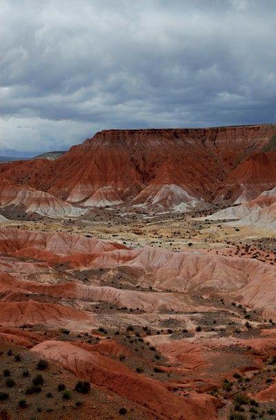 Magnífica vista del Valle de la Luna jujeño, casi en la entrada de Cusi Cusi. Argentina .
