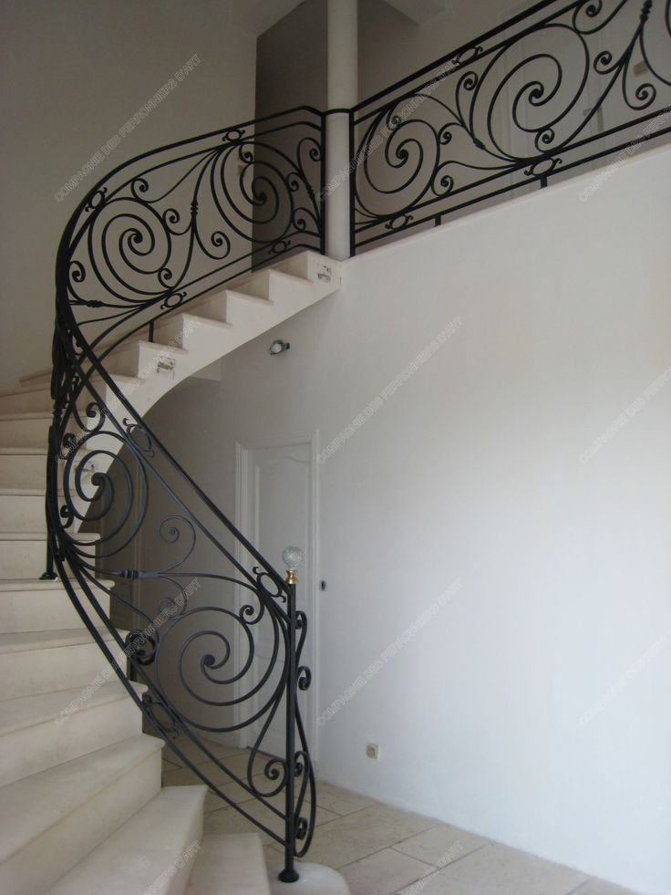 les 25 meilleures id es de la cat gorie rampe d 39 escalier sur pinterest rampes id es rampe d. Black Bedroom Furniture Sets. Home Design Ideas