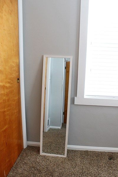 TwoFeetFirst – DIY Full Length Mirror