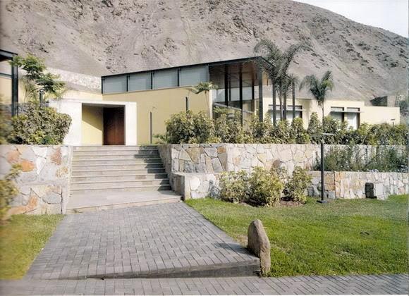 Idea by Maritza Herrera on Fachadas de casas en Peru
