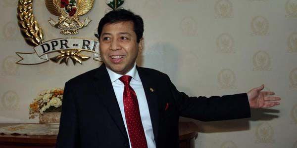 Pengamat: Mosi Tidak Percaya Tidak Akan Buat Setnov Mundur Sebagai Ketua DPR : Pengamat politik Sigma Said Salahudin mengaku tak yakin jika gerakan mosi tidak percaya yang dilayangkan para anggota fraksi parpol pendukung Jokowi-JK akan dapat