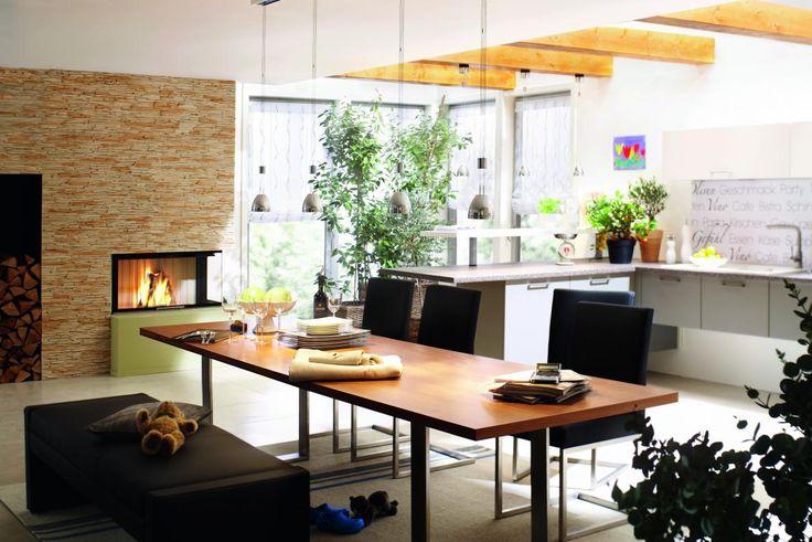 Chimenea de leña en cocina #diseño de #cocinas #interiorismo #chimenea #leña