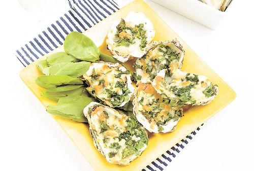 HUÎTRES FARCIES GRATINÉES Toujours belles et bonnes, les huîtres cuites dans leurs coquilles.
