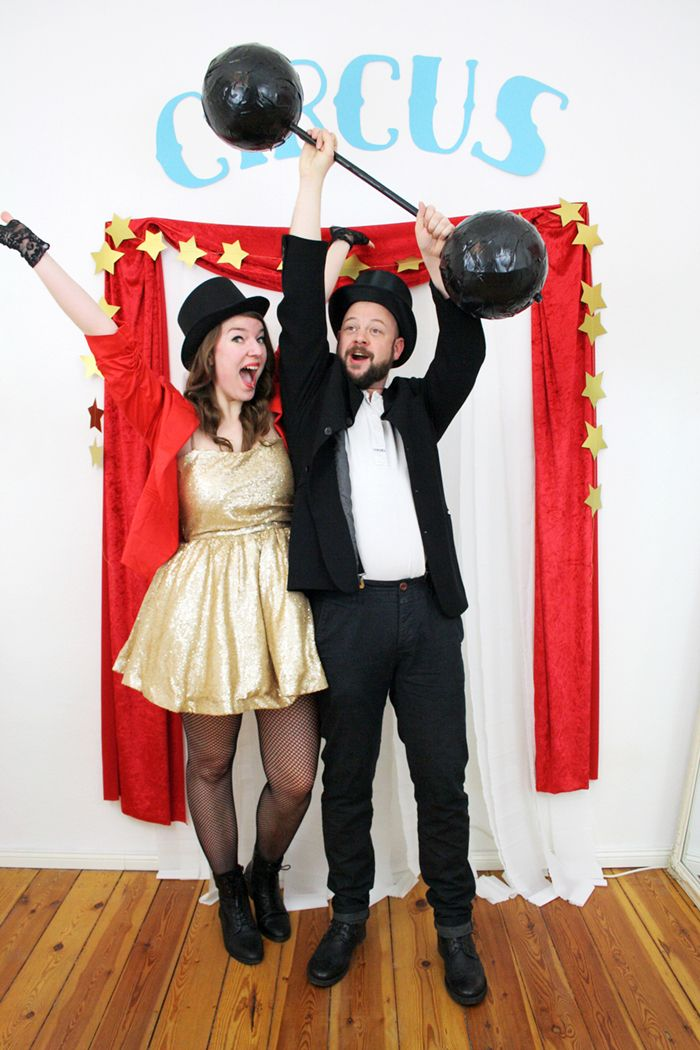 Clear the ring, circus is in town! Luloveshandmade has organized a colorful circus theme party with matching decor, food table and costumes, hooray!