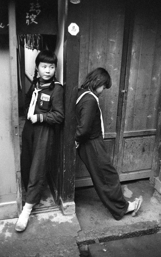 Country schoolgirls, 1957