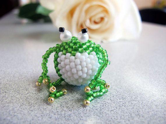 Miniature beaded frog green frog funny animal by DwarfsTreasure
