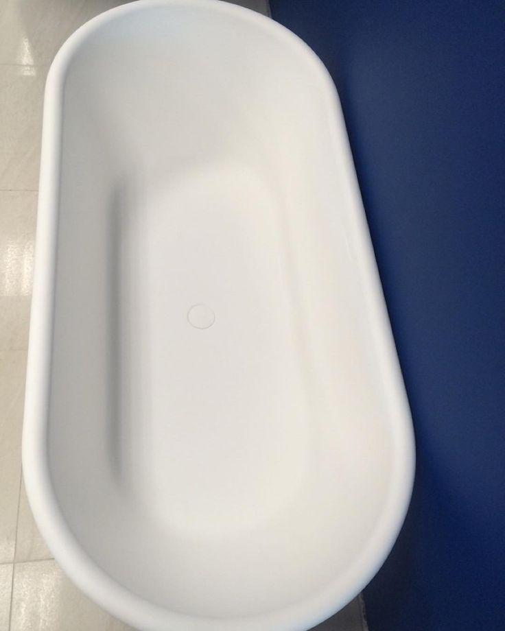 On instagram by salon_santehniki_minsk  #arcade #microhobbit (o)  http://ift.tt/1UggEWn  Овальная каменная отдельностоящая ванна Arcade #burlington#design #designer #кварил #ретро #элитнаясантехника#англия#италия#золото#дизайнер #дизайнинтерьера