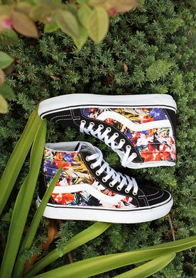This Floral Sk8-Hi Reissue has us dreaming of Summer.