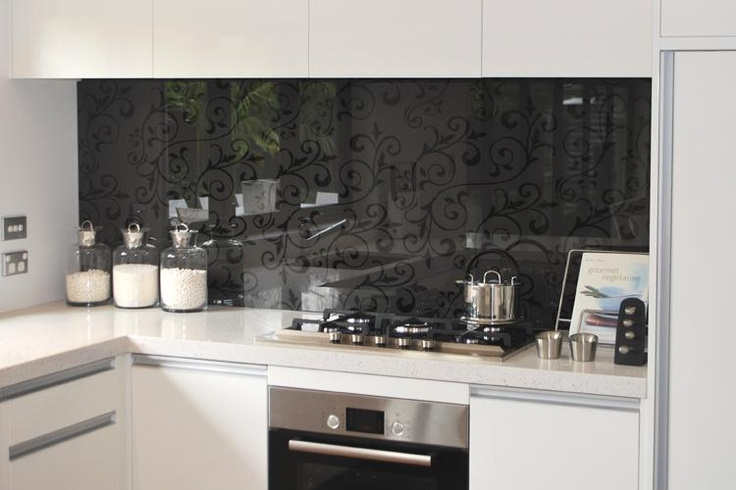 Subtle way to add an interesting pattern in the splashback, tone on tone colour so it won't get tired to quickly