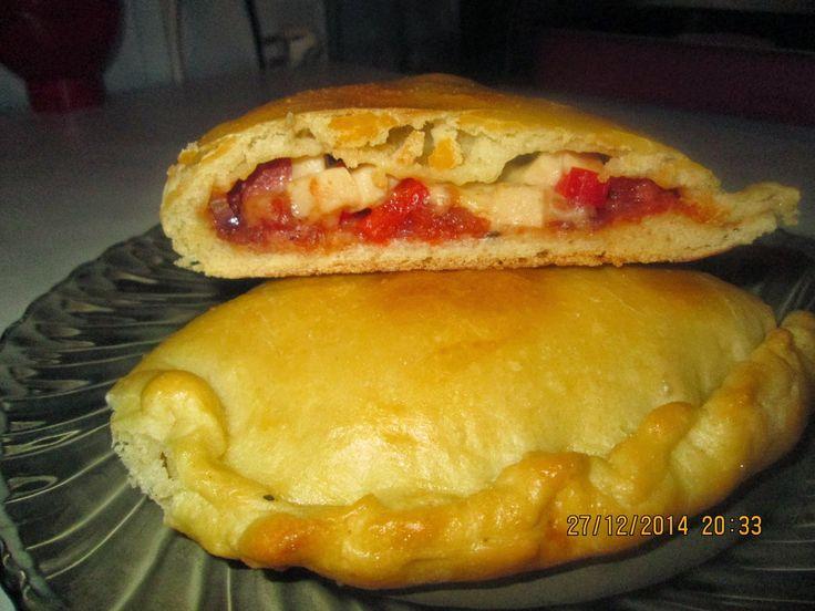 Prajituri de casa: Pizza Calzone