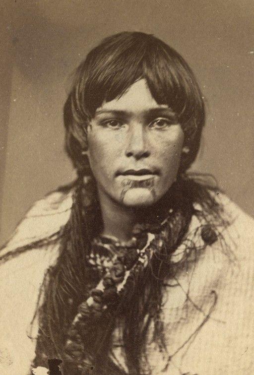Female Maori Mouth Tattoos: Maori Woman With Tattoos On Lips And Chin (c. 1860-1879