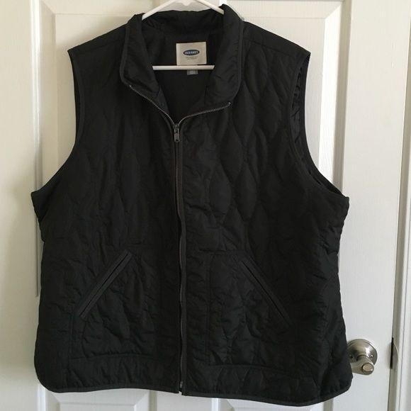 Old navy vest Old navy women's XXL black vest. Full zip. 2 side pockets. It's a thin vest, not a puffer. Worn once. Old Navy Jackets & Coats Vests