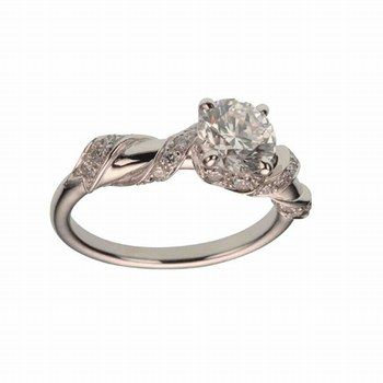dior joaillerie gros calin. I have no idea what any of that means except that this ring is real pretty. the end.