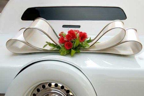 Ιδέες για τη διακόσμηση του αυτοκινήτου που θα σας πάει στην εκκλησία