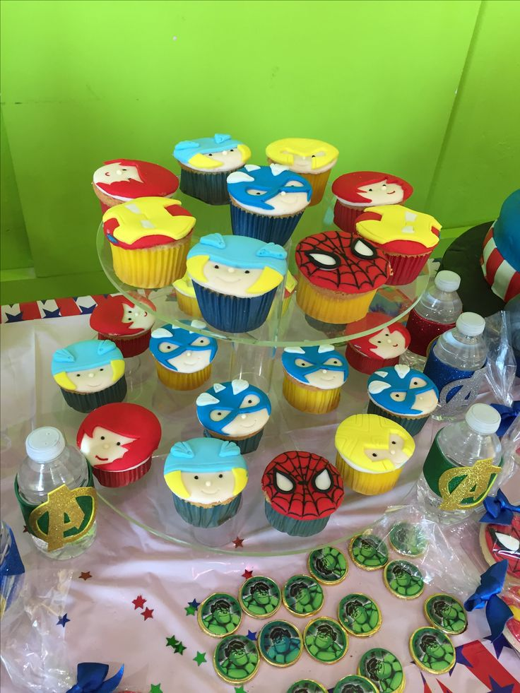 Cup cakes avengers