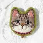 キジトラ猫の毛糸刺繍のブローチ
