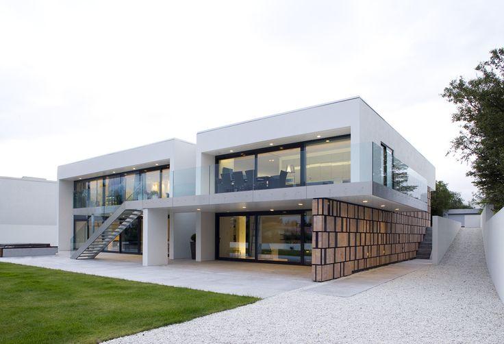 PK Arkitektar: B25 Residence on  a sloping plot